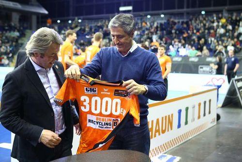 BR Volleys spenden erneut 3000 Euro